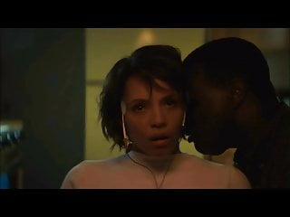 Used engine escort Carmen ejogo letting detective use her