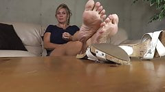 Jerk of to my mature feet