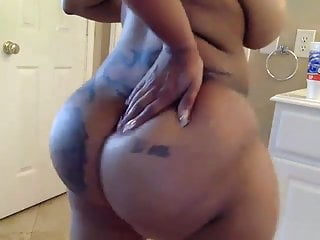 D ass handjob D ass shaking it