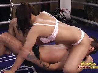 Sex in the ring Boxer dominates her man in the ring