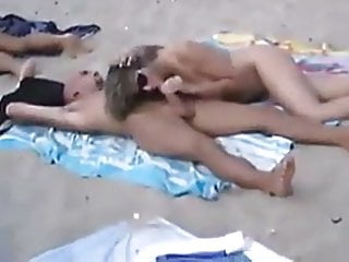 Friends in the nude - Sex in the nude beach