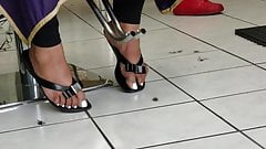 candid bbw ebony feet at barbershop pt2