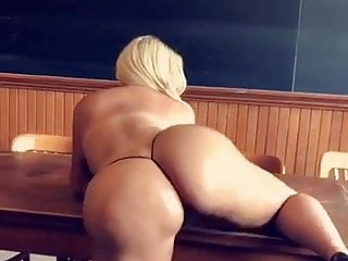Toronto escorts in call Toronto escort twerking classroom
