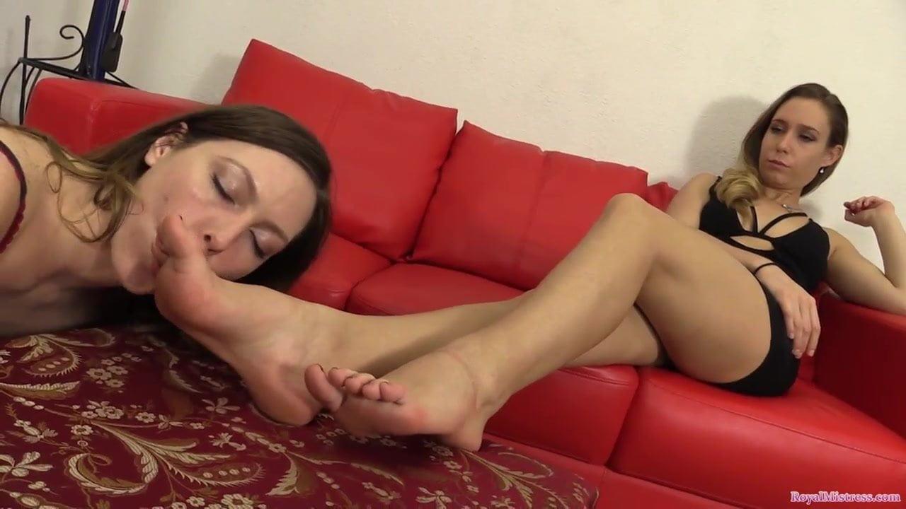 Katie Cummings Lesbian Feet