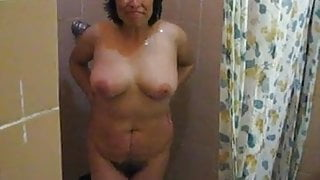Mexicana from Tlaxcala in the shower