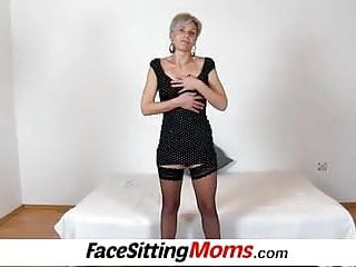 Cock hot leg Hot stocking legs lady beate old young facesitting