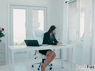 Self leveling cock - Testing the black employees self-confident - aidra fox