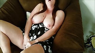 Young boys watch stepmom masturbate in the Chicago sex chair