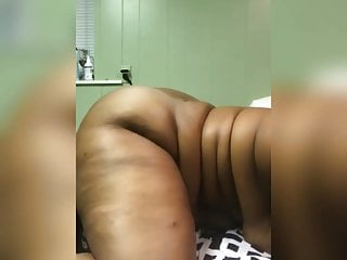 Black woman ass shaking Ghetto bbw big ass shaking