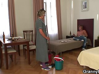 Old granny rideing grandpa dick - Cleaning mature woman enjoys riding his dick