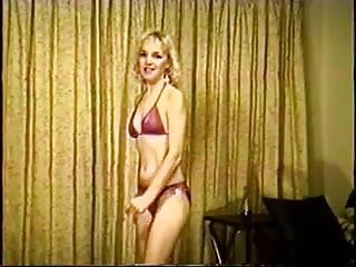 Kris jennar nude pics Kris dancing and taking off her bikini