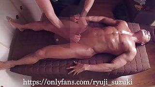 RYUJI GETS AN EROTIC MASSAGE