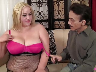Taking milk from breast - Big breasted blonde chick takes it from behind