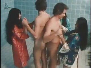 3d bath sex Grupo sexual follando en un bano lujoso orgy in bath sex