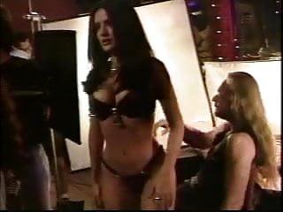 Salma hayek sexy pictures - Salma hayek - behind the scenes bikini