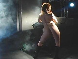 Sexy blonde bikini oily show ass Wgd micro bikini oily dance - yuduki