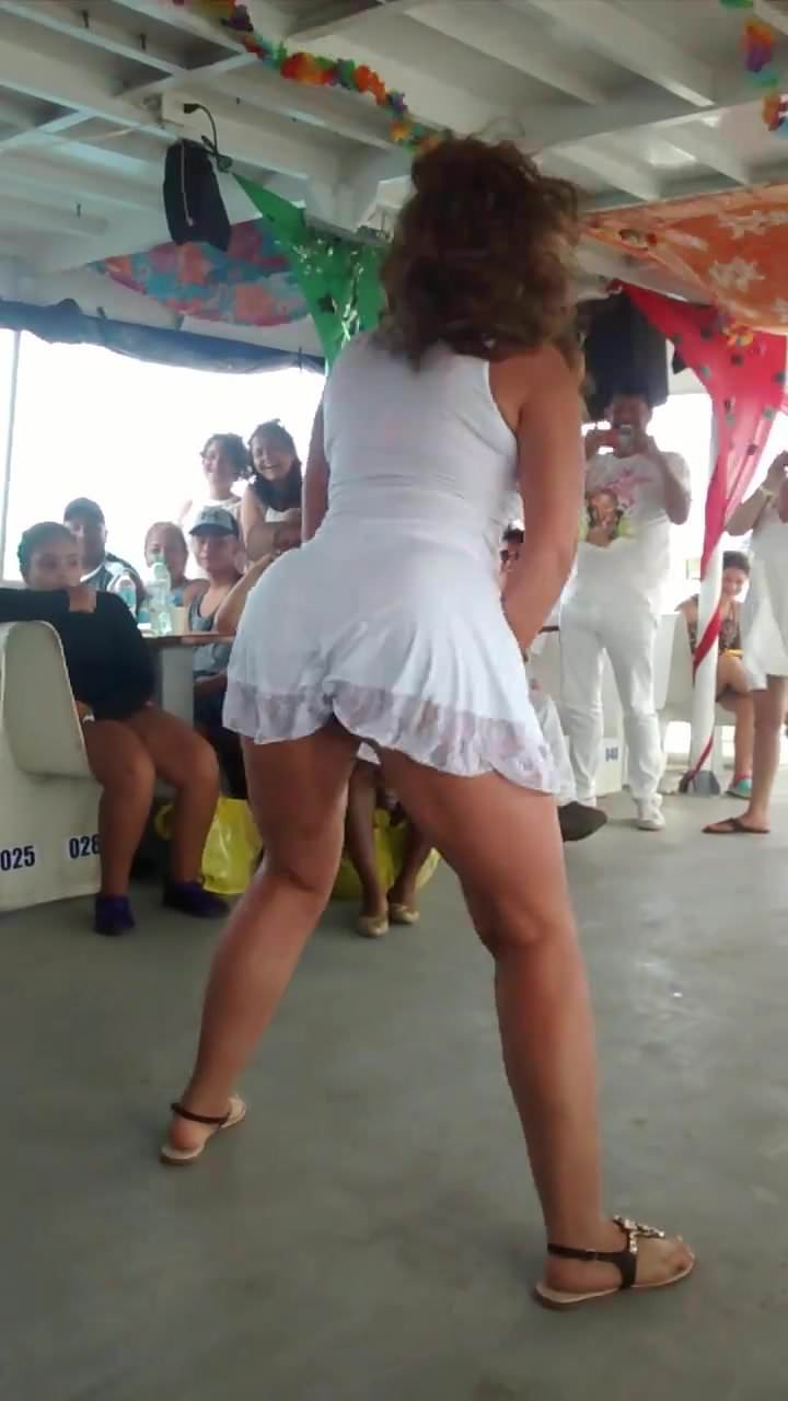 Sexy dance milf with hot ass