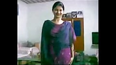 My name is Aaliya, Video chat with me