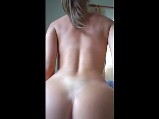 Pussy fullof cum The pink horny pussy - suddenly cums from a perfect body