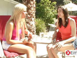 Free gorgeous bikini babe thumbs The paradise of lesbian teens - gorgeous girls fucks in reso