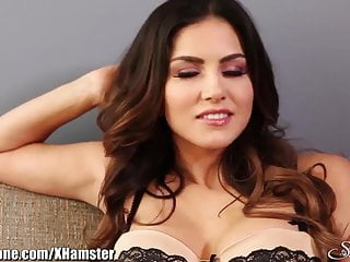 Sunny leone blowjob video - Sunnyleone striptease on the couch