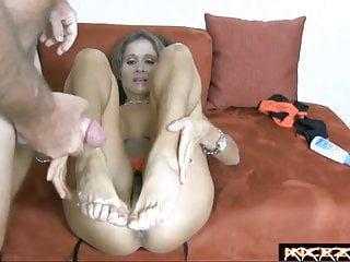 Mom videos mature foot lesbian - Cum on beautiful mature feet with lovely bunions