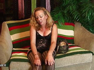 Mature usa xxx - Hot mom from usa doesnt need a cock