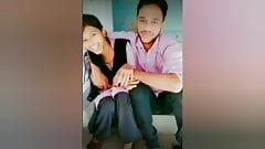 Beijando namorada namorado