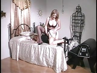 Action gay spanking 3 smoking hot chicks in spanking action