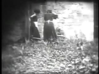Vintage erotic bearly legal - Vintage erotic movie 9 - jour de lavage - laundry day 1920