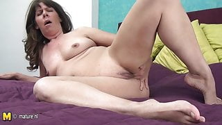 Old amateur housewife show everything