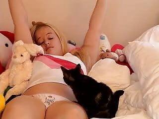 Kirsten pussy - Kirsten backstroke 2
