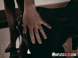 Shopie rossi porno Latex covered rossy bush submits to mia reese