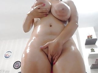 Chubby women super huge boobs - Oiled wet chubby huge boobs squirting babe
