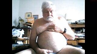BearOneX Cums on Webcam
