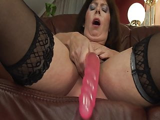 Hot mature woman picture Gilf season: hot mature woman masturbates before fucking wit