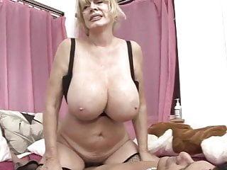 Granny big tits pictures