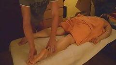 Bei der Massage voll abgespritzt - Orgasm Contractions
