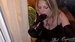 Slut-Orgasma Celeste behind the window deep throat a dildo