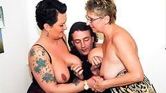 Amateureuro - бабушка-толстушка Erna балуется горячим ЖЖМ сексом перед камерой