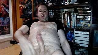 Pumping my Cock and Cumming