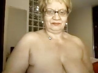Mature online gamers Granny excites with sex online