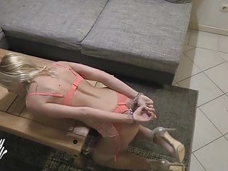 Slut miley Miley weasel fucked from the wrong delivery guy