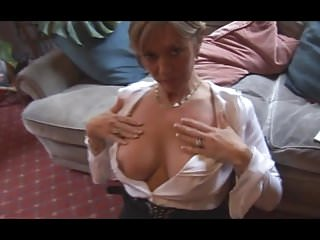 Looking up mature dress Looking up a milf