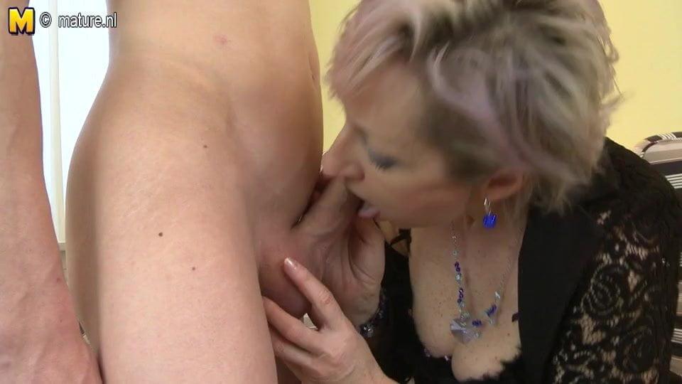 Granny Boy Porno