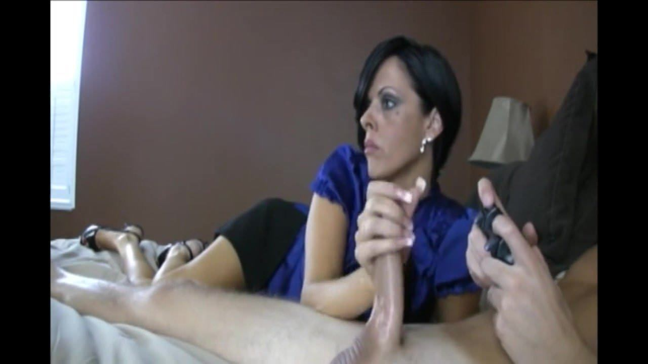 Blowjob While Playing Pussy