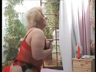 Homme muscle gay La vieille salope jouit ce jeune homme by clessemperor
