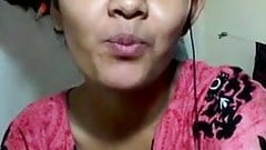 Chennai hot tamil girl kissing on videocall