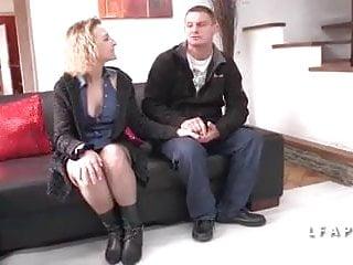 Femme mature anal Ce mec donne sa femme pour qu on la sodomise grave