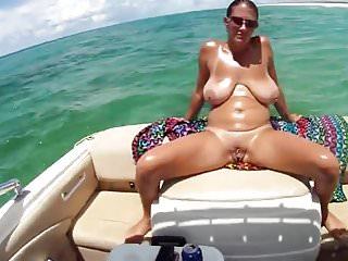 Peeing in boat Amateur boat fun 2.mp4